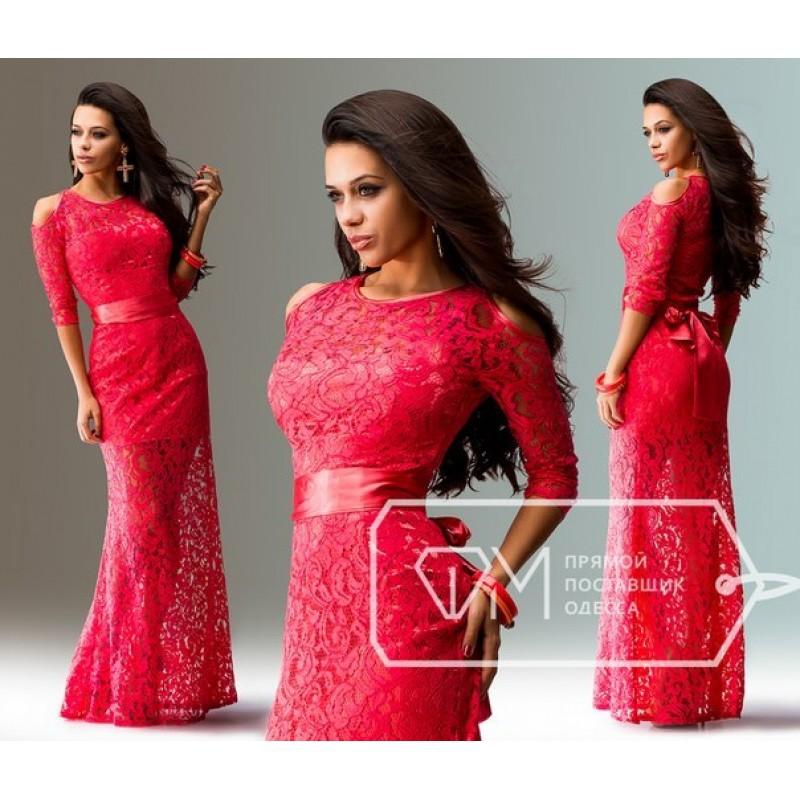 Красное гипюровое длинное платье